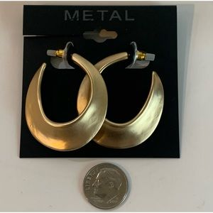 Kohl's Metal Gold Plated Earrings  NWT $14